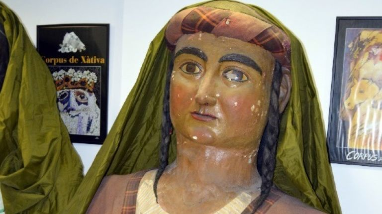 Xàtiva restaura figuras del Corpus con más de cien años de antigüedad