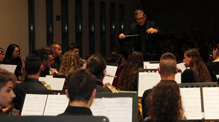 Seinaugura el curso académico del Conservatorio de Llíria con la presencia del compositorAndrés Valero-Castells