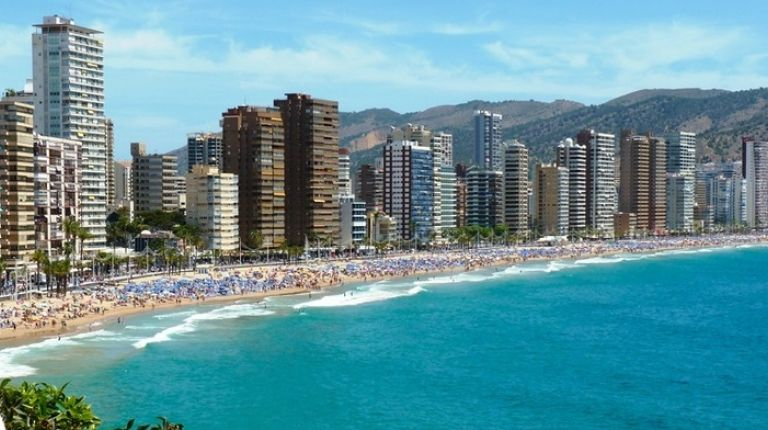 Benidorm se consolida como destino favorito para españoles y extranjeros