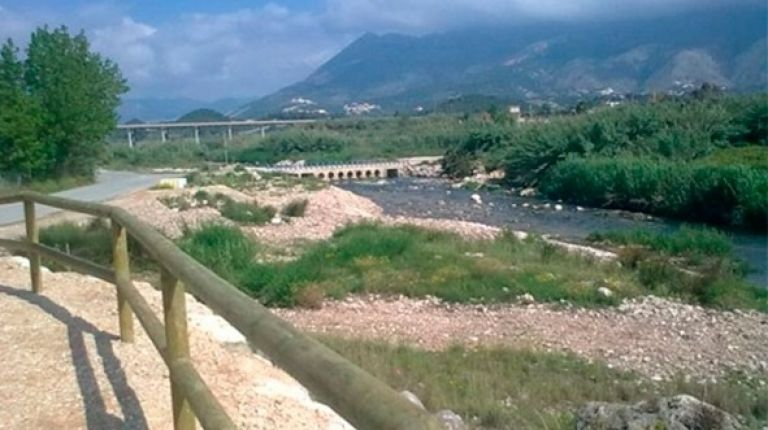 Altea celebra el día de los humedales con una jornada en el río Algar