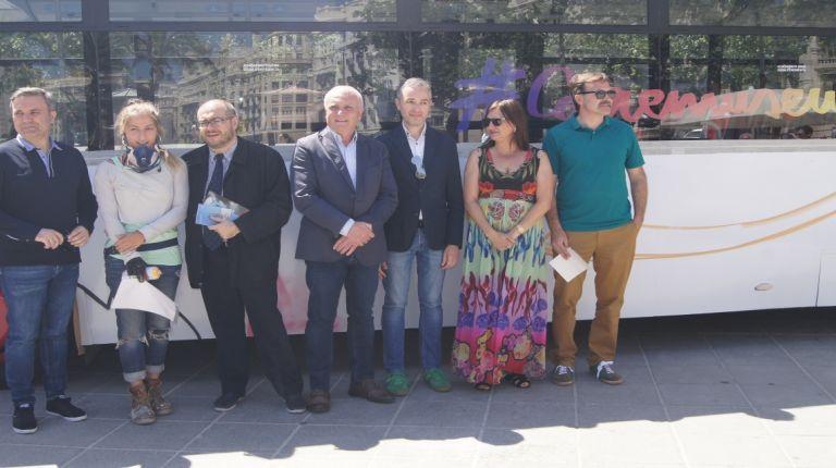 Diputación, Generalitat y Ayuntamiento presentan #Corremuseus, el autobús cultural que promociona el día de los museos