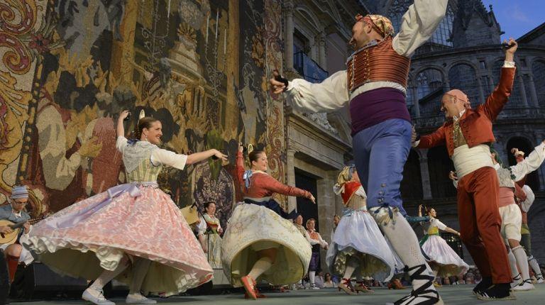 Fundación Bancaja celebra el 15 de mayo la tradicional Ronda a la Mare de Déu con música y danzas