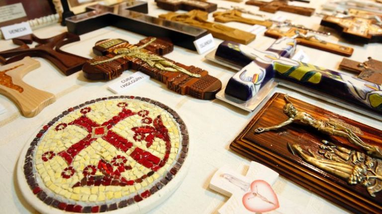 Salón Internacional de las Cruces