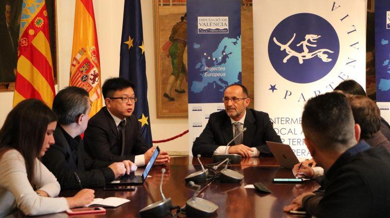 Fotur aprovechará las oportunidades de negocio con China tras una reunión con representantes del Gobierno de este país asiático