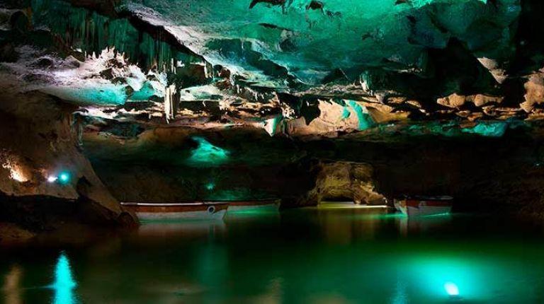 Las Cuevas de San José enla Vall d'Uixó estrenan iluminación