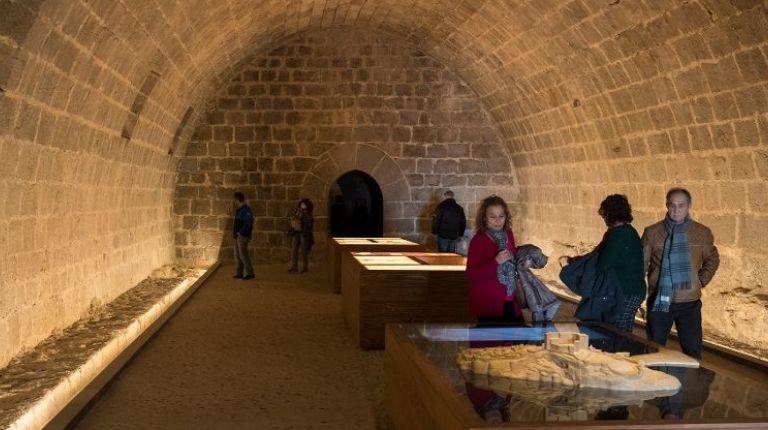 Más de 4.000 turistas disfrutan de las exposiciones del Castillo de Peñíscola durante el puente de Fallas